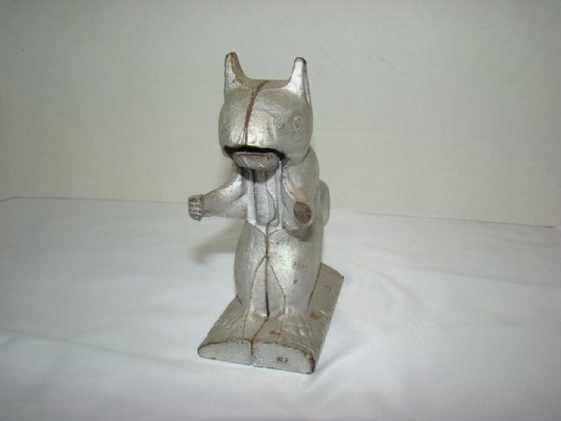 VINTAGE CAST IRON SQUIRREL NUT CRACKER - 2