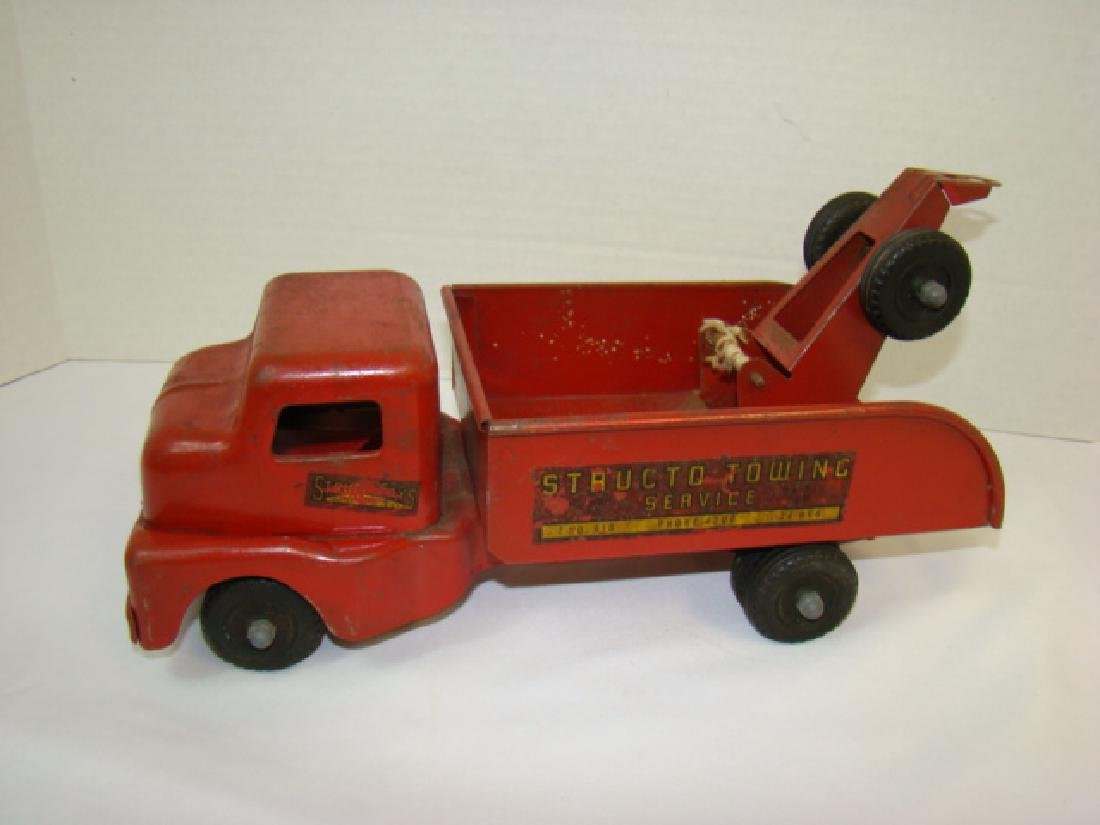 1950'S STRUCTO TOWING SERVICE TOY TRUCK