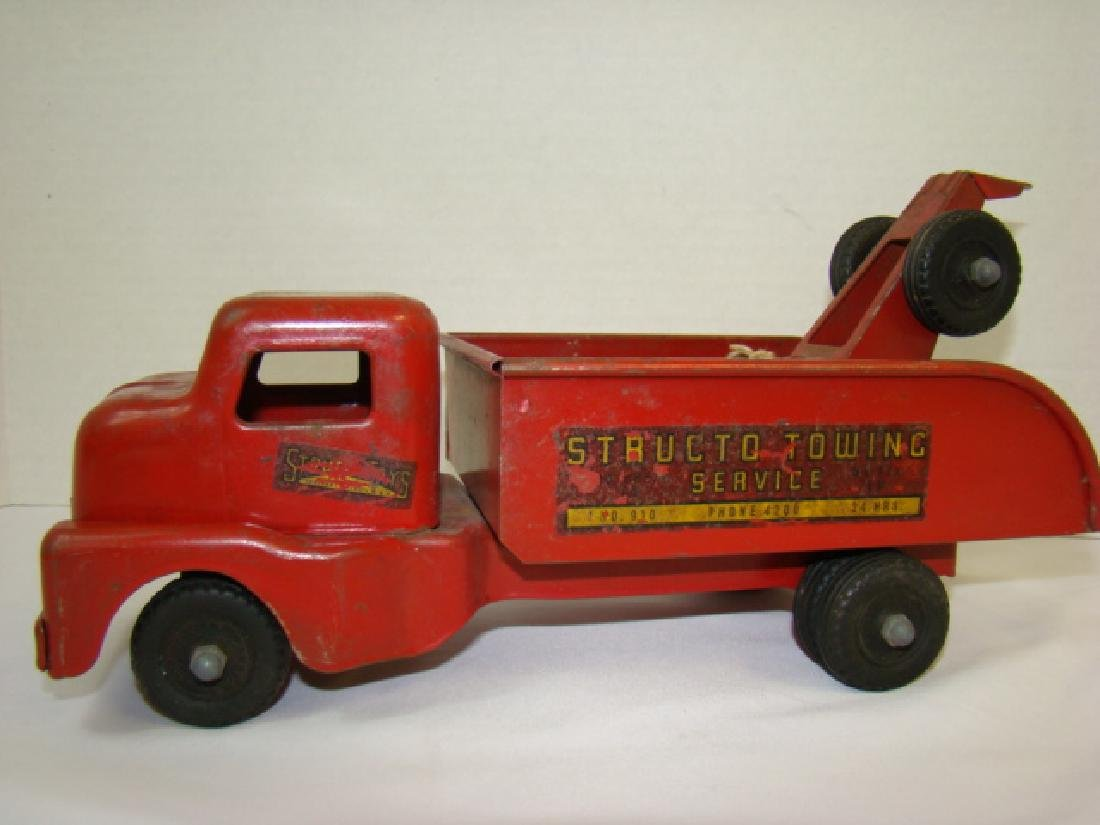 1950'S STRUCTO TOWING SERVICE TOY TRUCK - 2