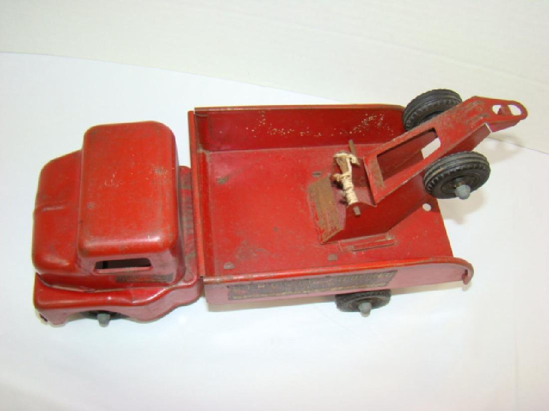 1950'S STRUCTO TOWING SERVICE TOY TRUCK - 3