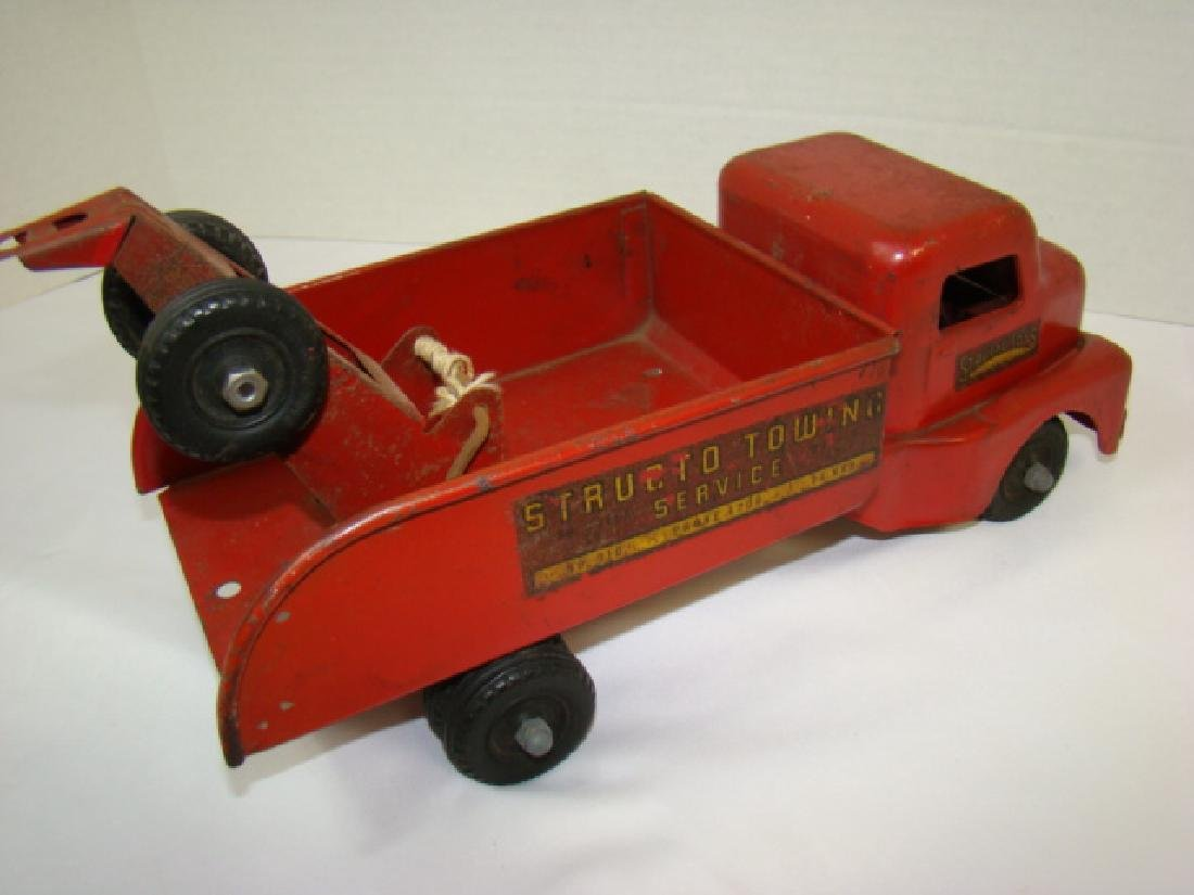 1950'S STRUCTO TOWING SERVICE TOY TRUCK - 4