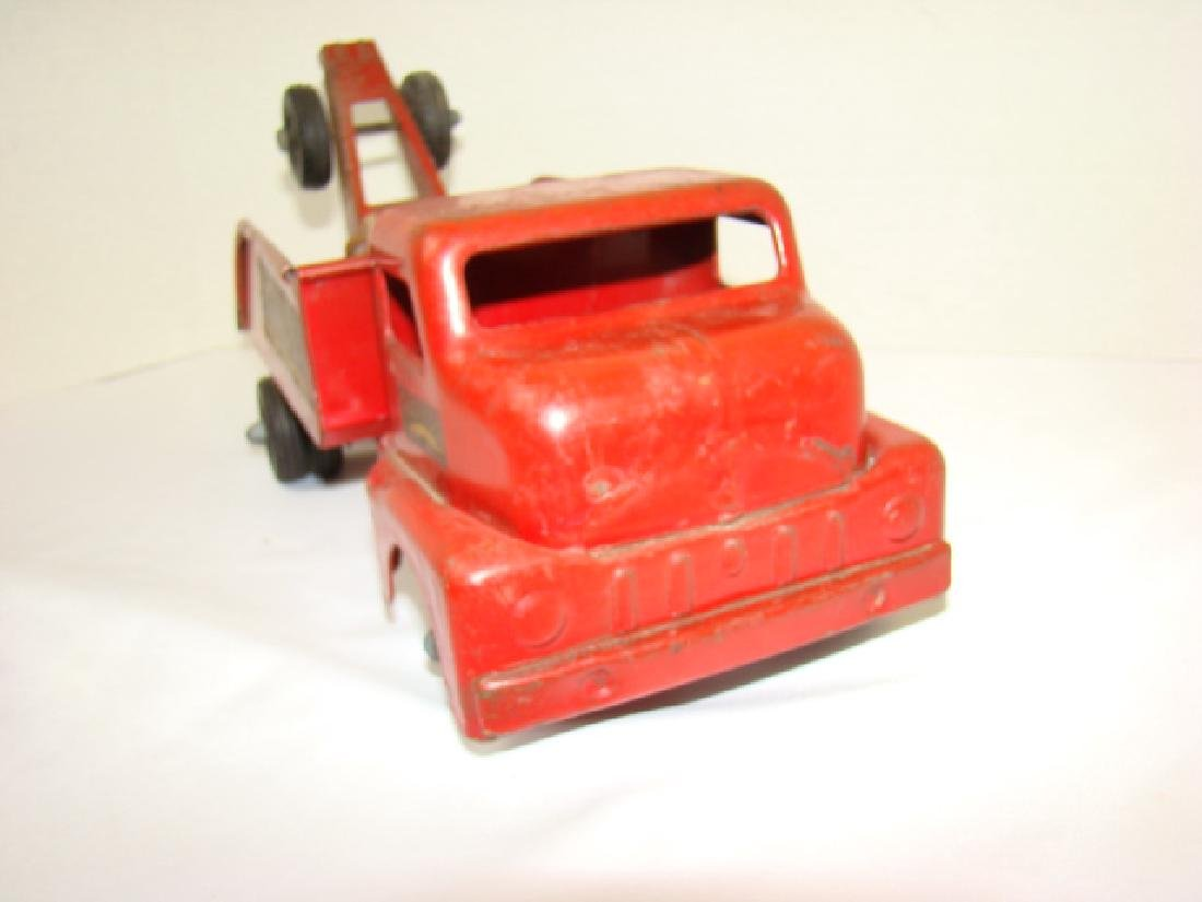 1950'S STRUCTO TOWING SERVICE TOY TRUCK - 6