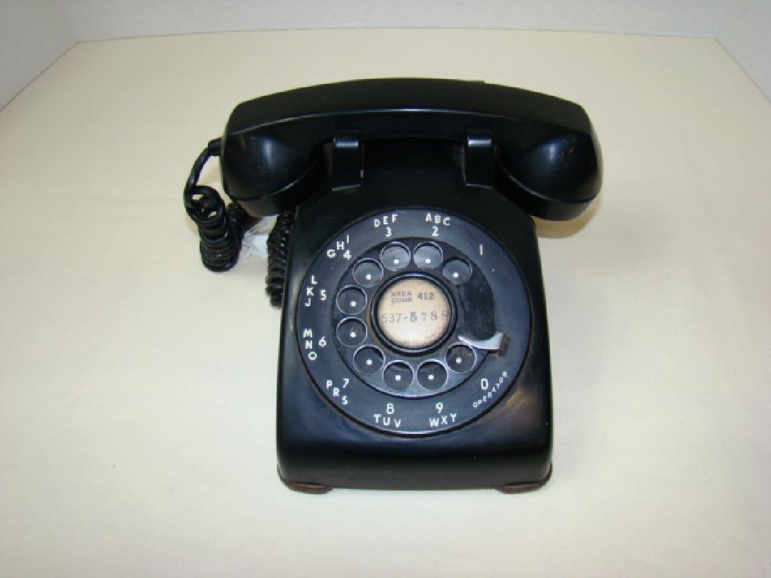VINTAGE BLACK ROTARY PHONE