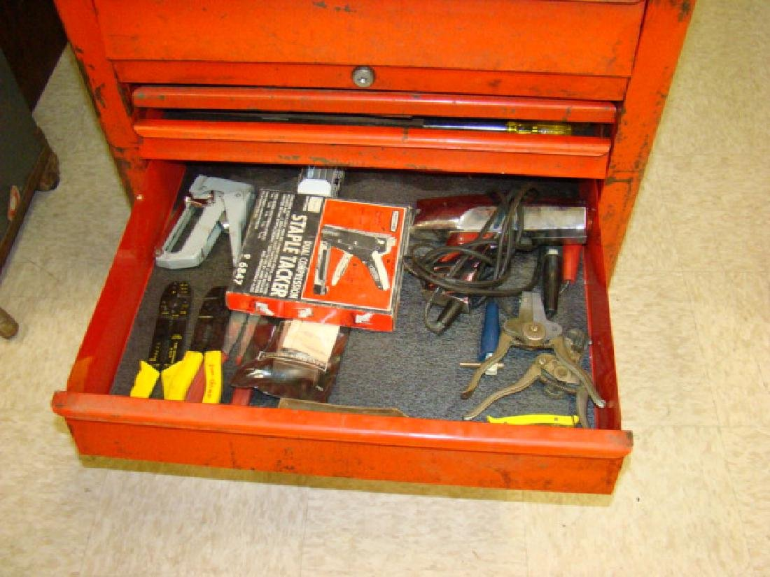 SNAP ON ROLLING TOOL CHEST WITH TOOLS - 3