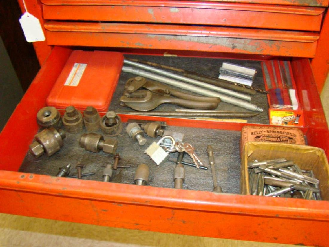 SNAP ON ROLLING TOOL CHEST WITH TOOLS - 6