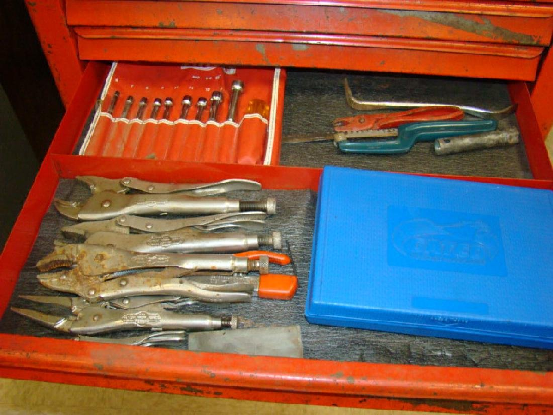 SNAP ON ROLLING TOOL CHEST WITH TOOLS - 7