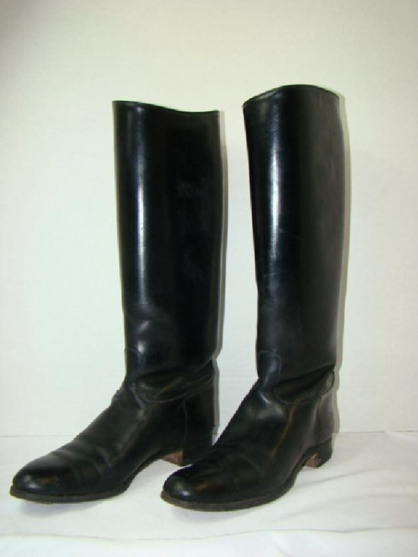 VINTAGE BLACK LEATHER LADIES RIDING BOOTS