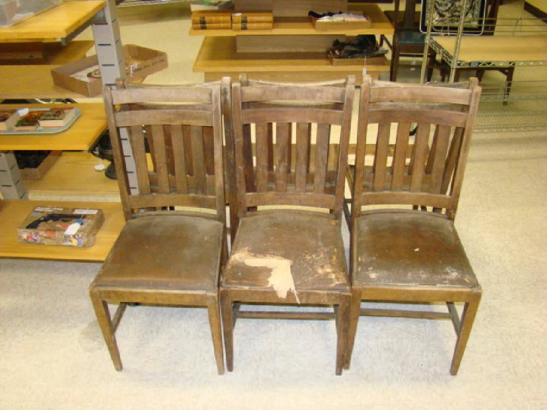 6 VINTAGE WOODEN CHAIRS