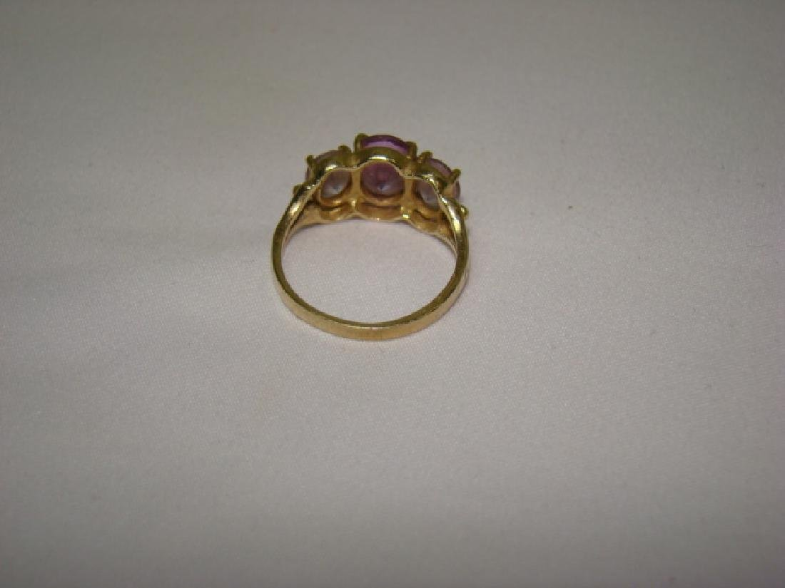 10K GOLD LADIES RING WITH LARGE STONES - 3