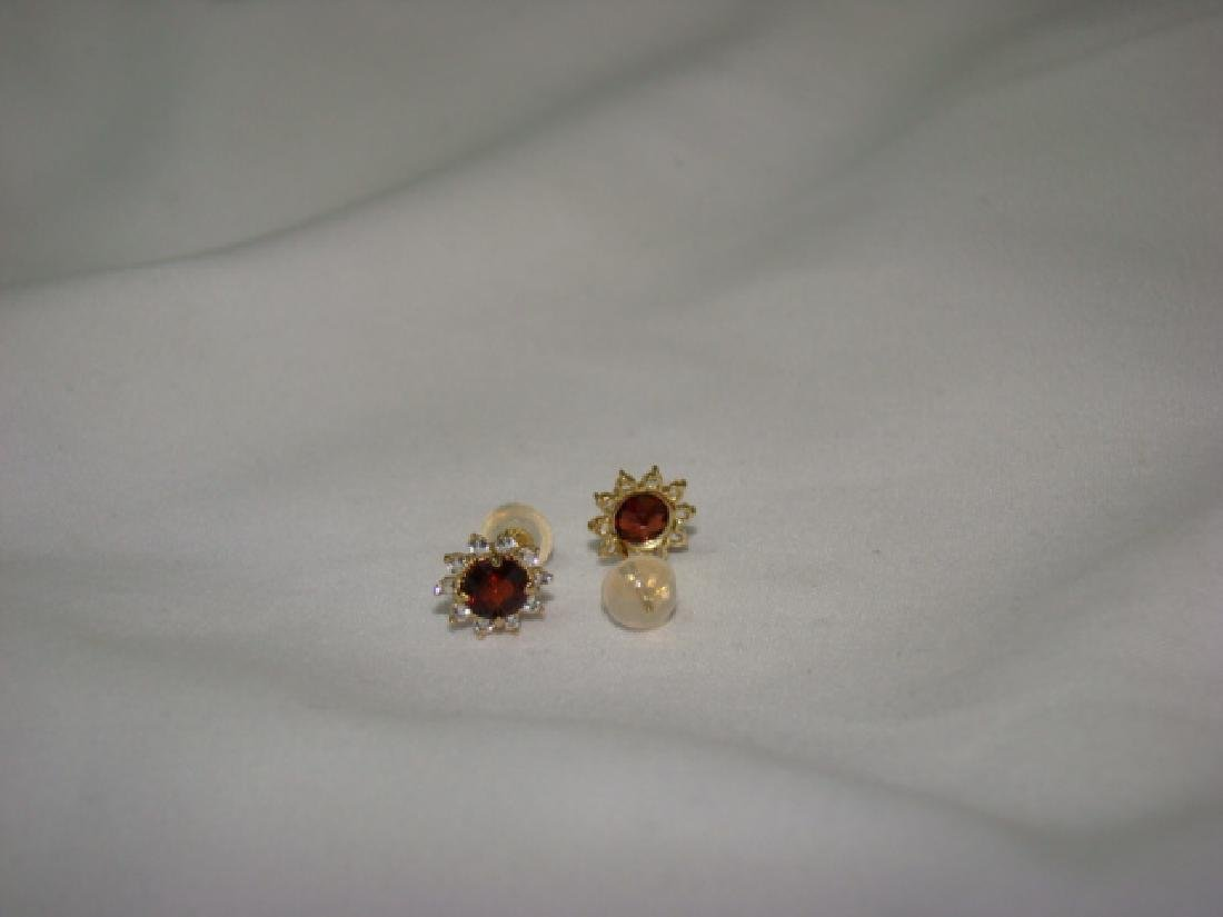 10 K GOLD EARRINGS WITH RUBY COLOR STONES - 4
