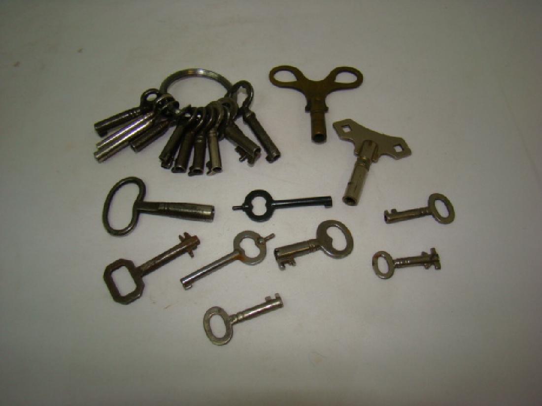 ANTIQUE SMALL BARREL SKELETON & CLOCK KEYS