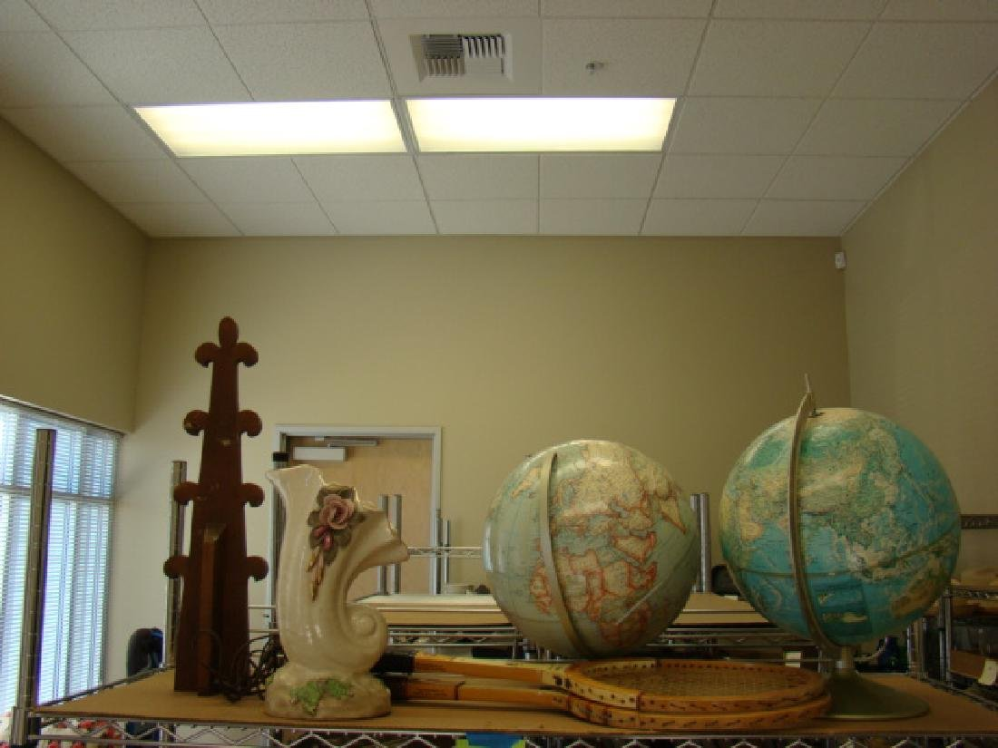 SHELF LOT-DECOR-WORLD GLOBES