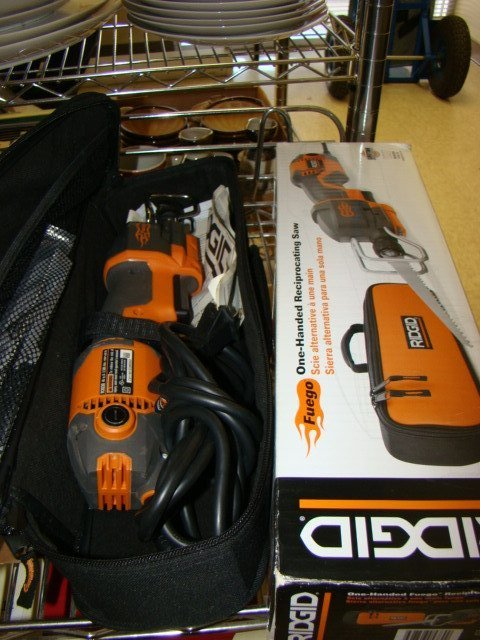 ELECTRIC RIDGID RECIPRICATING SAW IN CASE