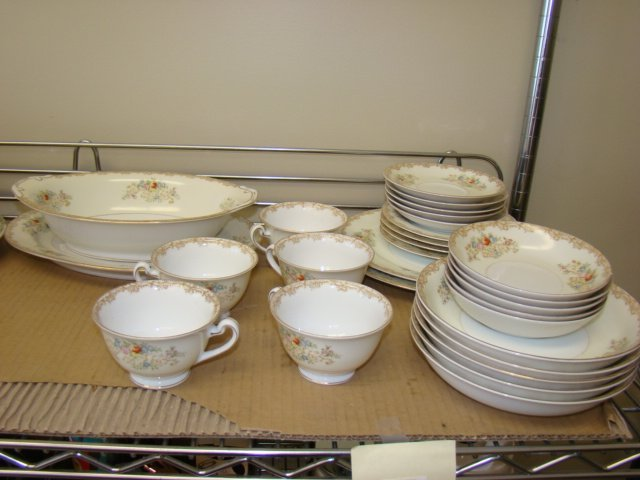 IMPERIAL CHINA-28 PIECES