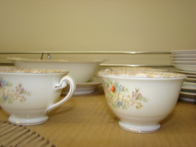 IMPERIAL CHINA-28 PIECES - 2