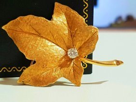 14k Yellow Gold Vintage Maple Leaf Pin