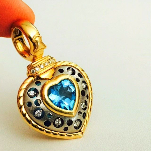 18k Gold and Platinum, TOPAZ pendant, Signed: Natasha C