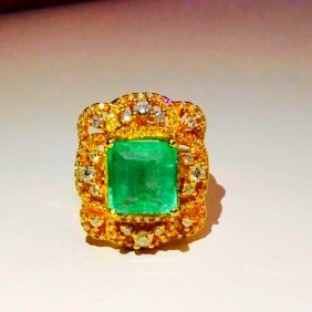 18k Gold Colombian Emerald & Diamond Ring