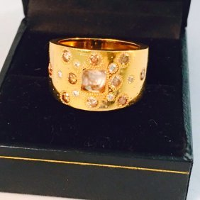 De Beers Talisman Collection, 18kt fancy diamonds ring.