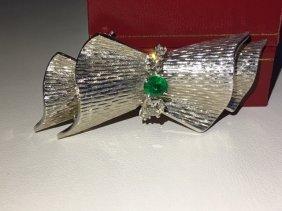 18k White Gold VINTAGE. DIAMOND AND EMERALD PIN