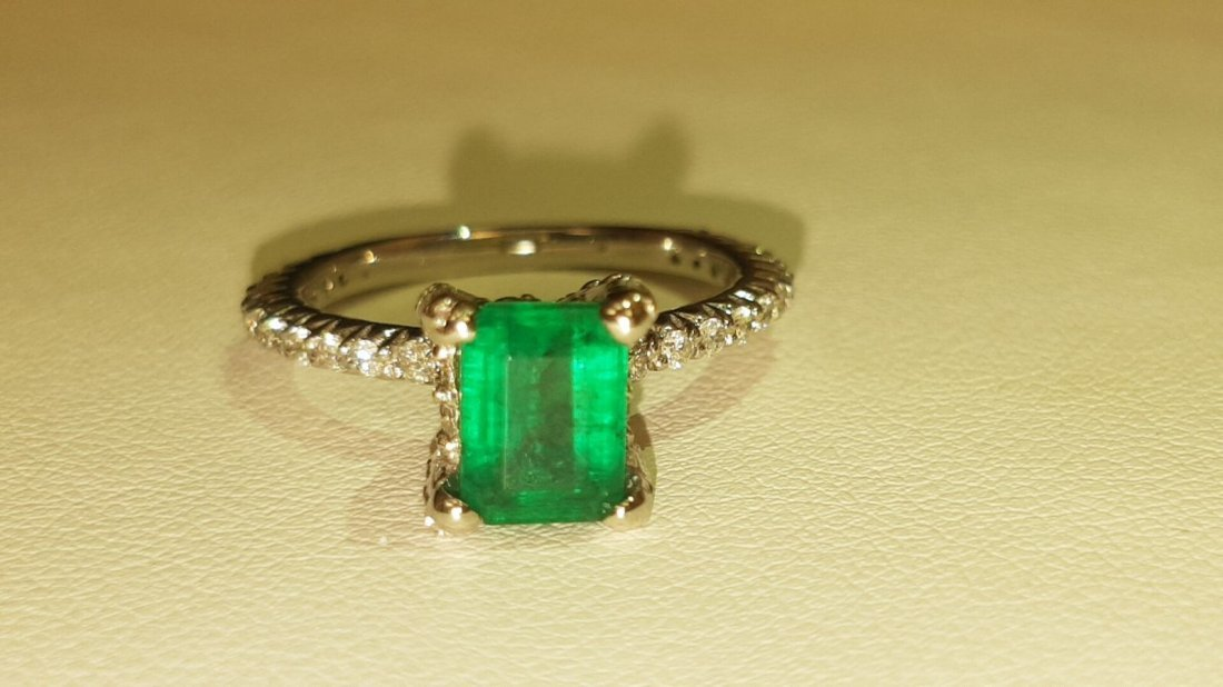 14K Gold AAA Quality Colombian Emerald and Diamond Ring