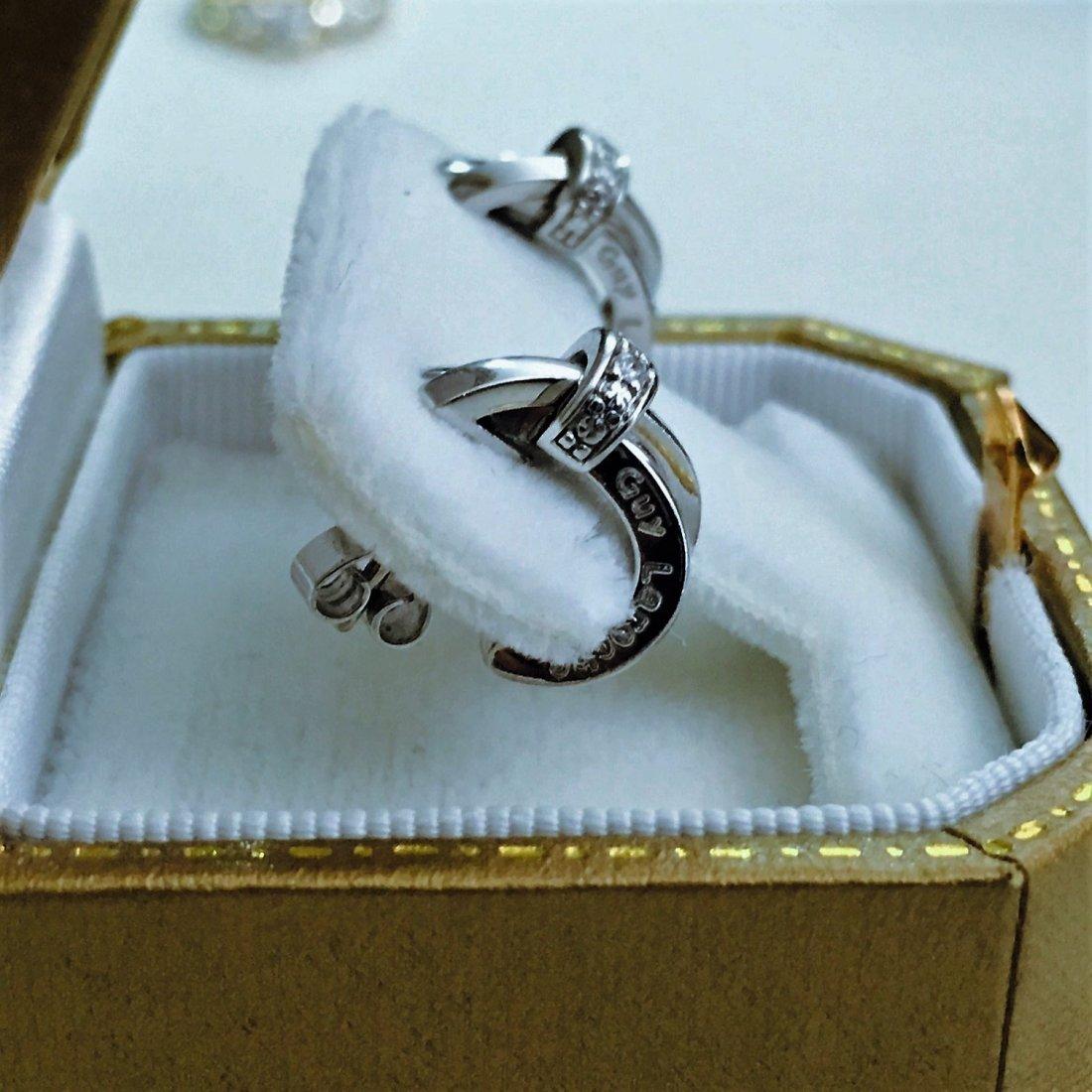 18K WHITE GOLD AND DIAMOND EARRINGS. (GUY LAROCHE) - 3