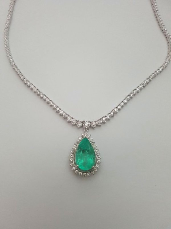 14K Gold, 12ct 100% Natural Colombian Emerald Necklace