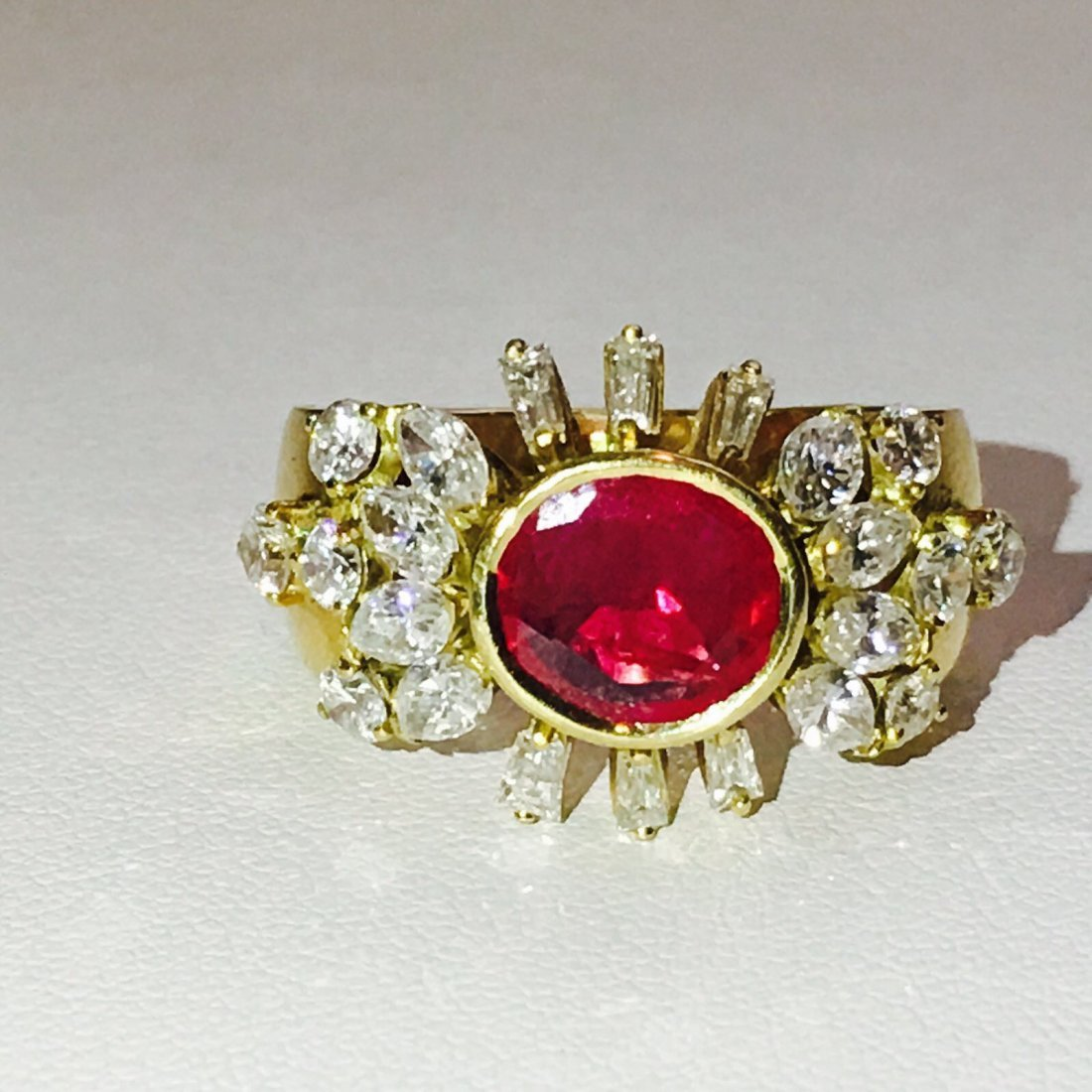 VINTAGE 4 CT NO HEAT Burma Ruby & VVS DIAMONDS (GIA)