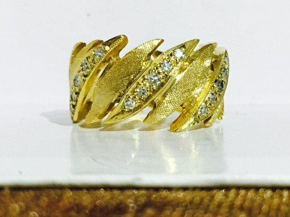14K Yellow Gold, VS Diamond Spiral Band/Ring