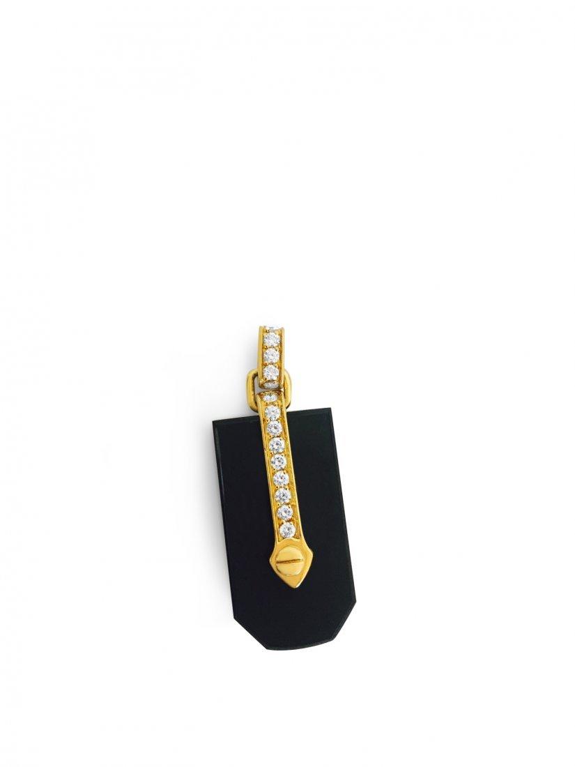 18k Yellow Gold, Round Brilliant VS Diamond Pendant.