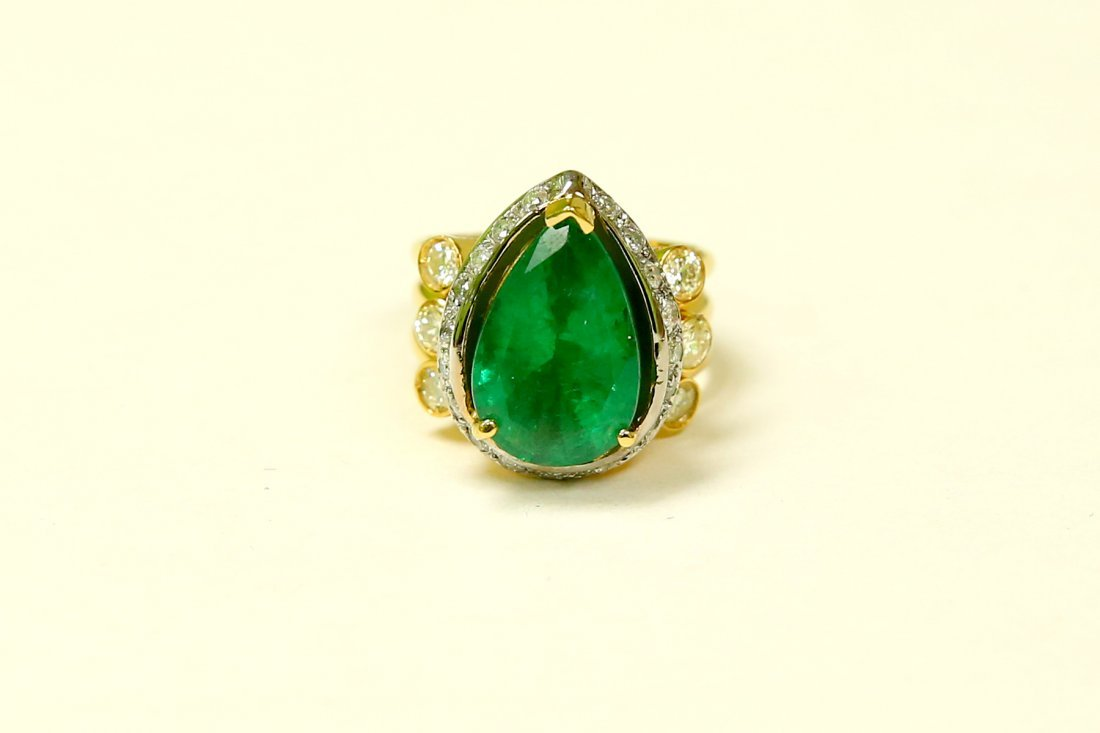 18K Made In Italy Emerald Diamond Cocktail Ring