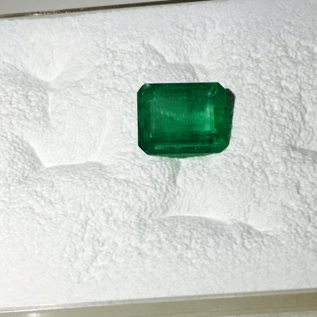 7.30Carat, 100% Natural Colombian Emerald