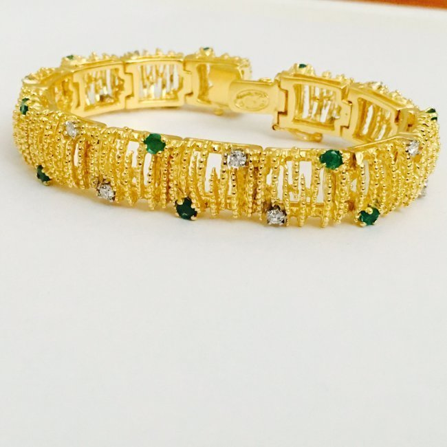 18K Gold, Emerald and Diamond Bracelet La Triomphe