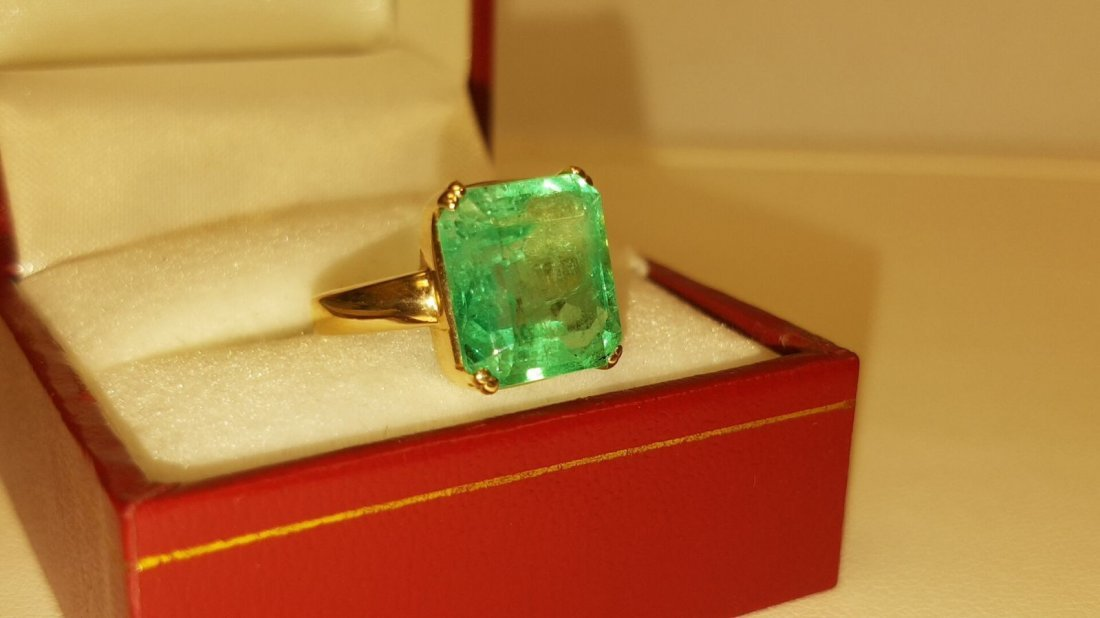 14K Yellow Gold, 6.00 Carat Solitaire Emerald Ring