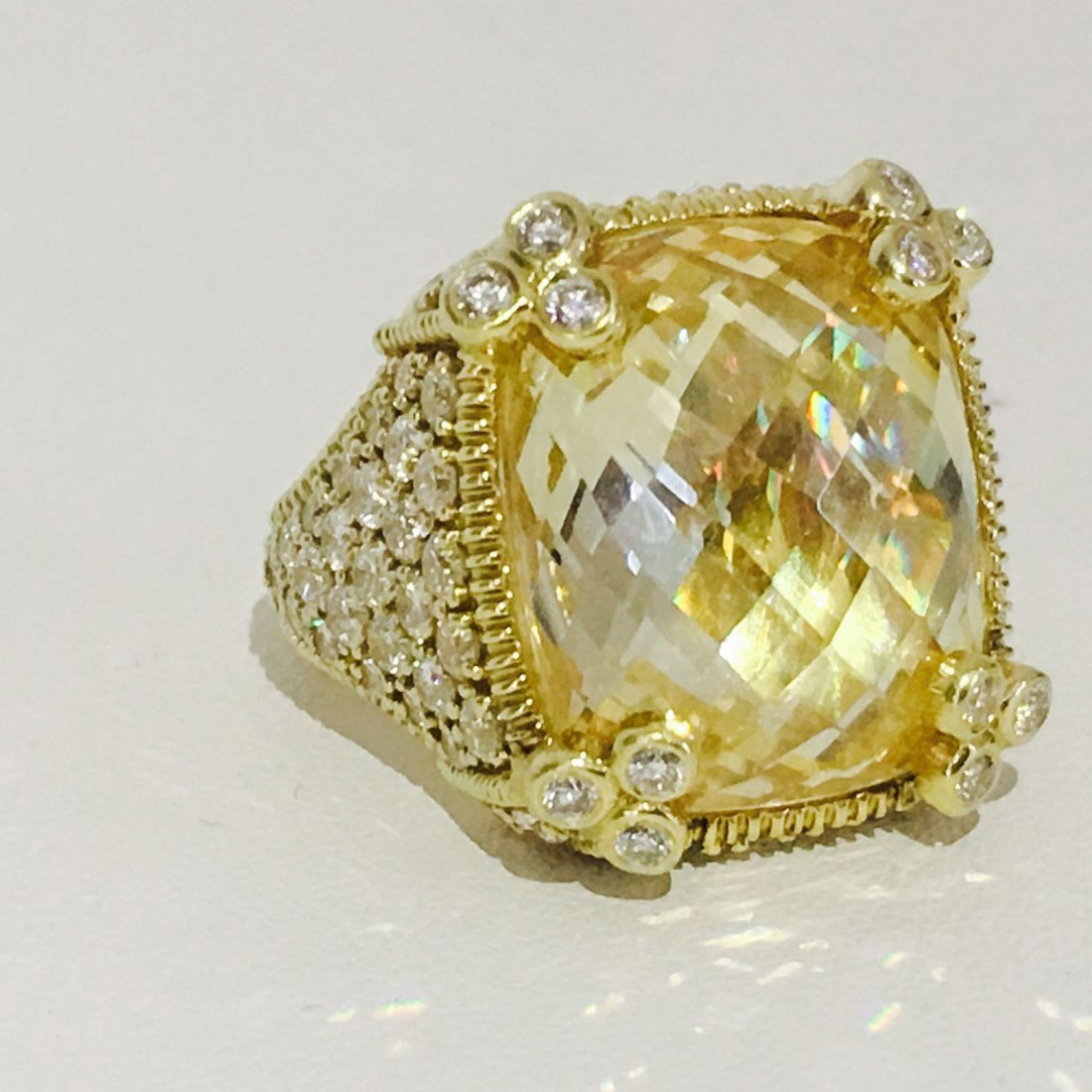 18K Gold. 25.00 CT Natural Stone, 3.50 CT Diamond Ring