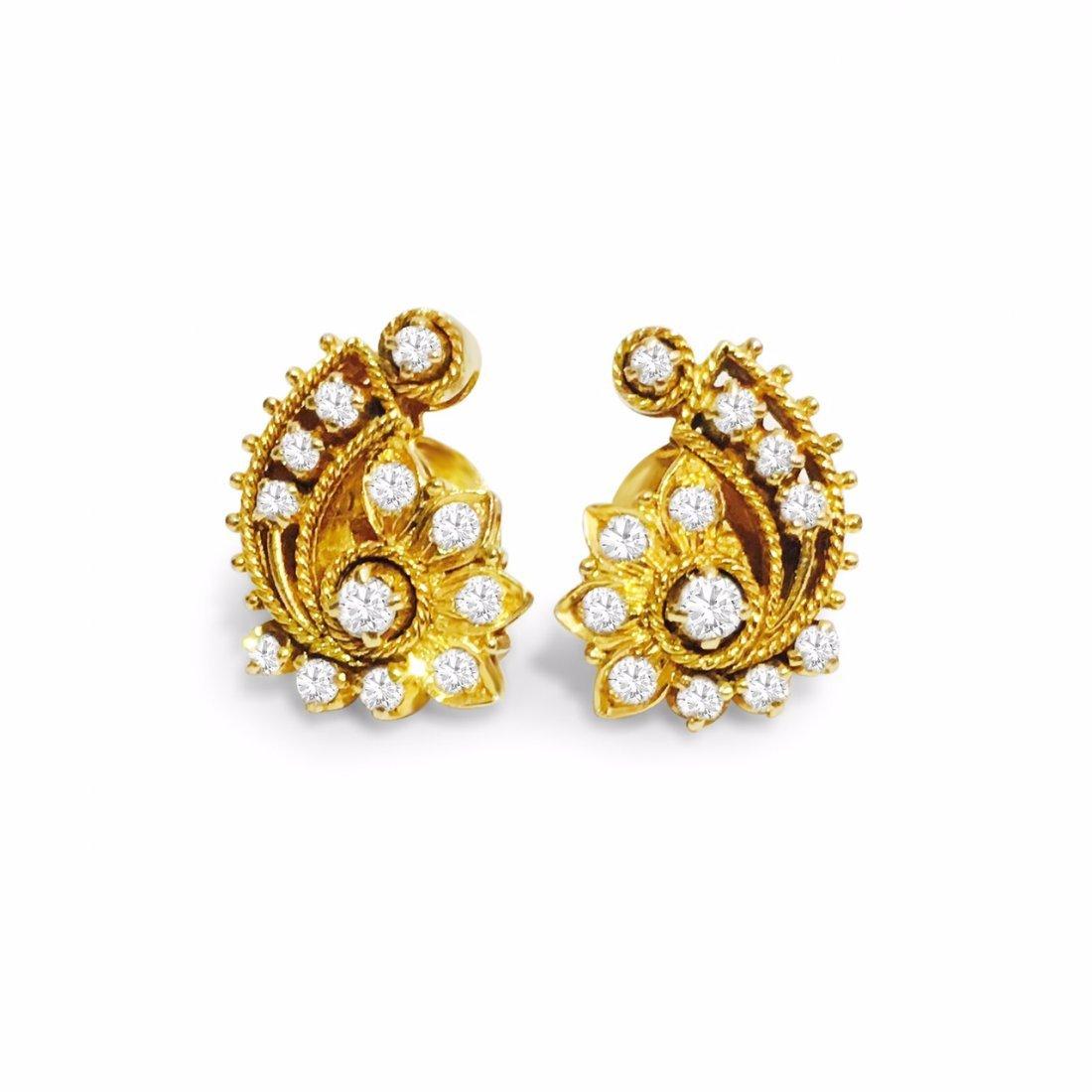 18K Yellow Gold 1 carat vintage Diamond Earrings.