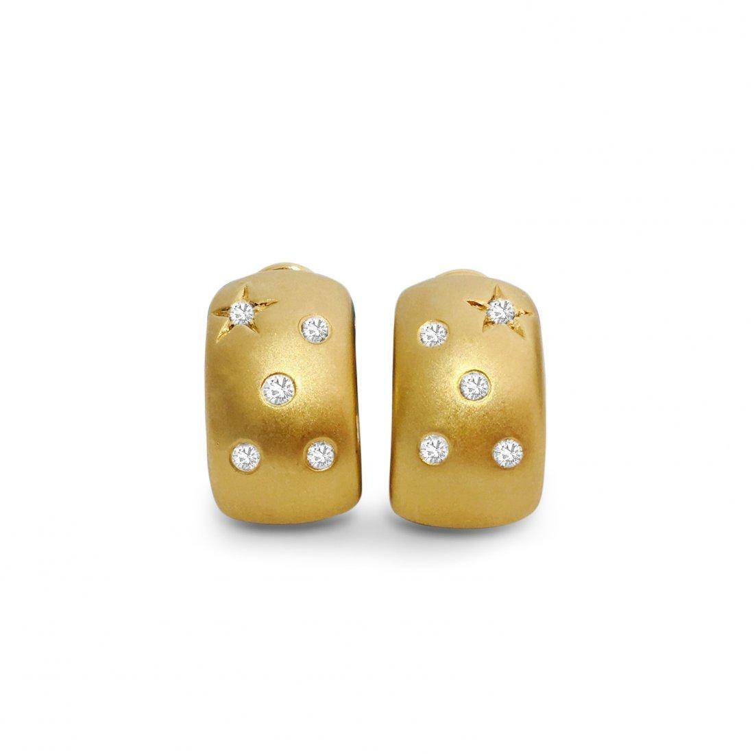 18K Gold Huggie Diamond Earring