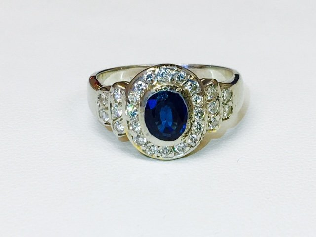 2.75 Carat, Blue Sapphire and Diamond Ring in 18K Gold