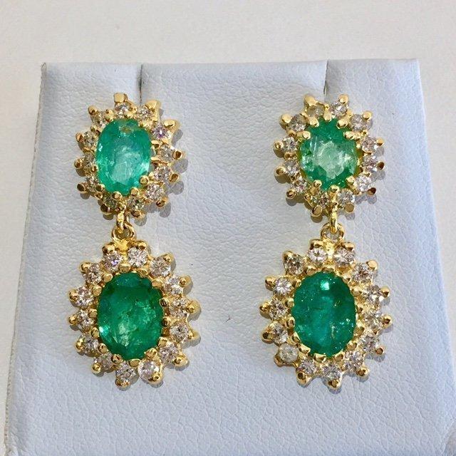 14K Gold 8 ct Emerald & VS Diamond Earring. $12,500 GIA