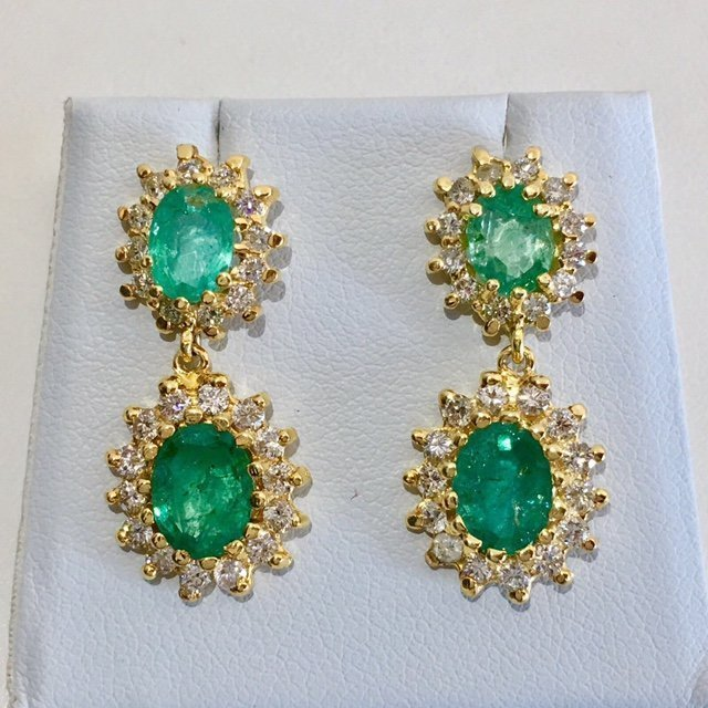14K Gold 8 ct Emerald & VS Diamond Earring. $12,500 GIA