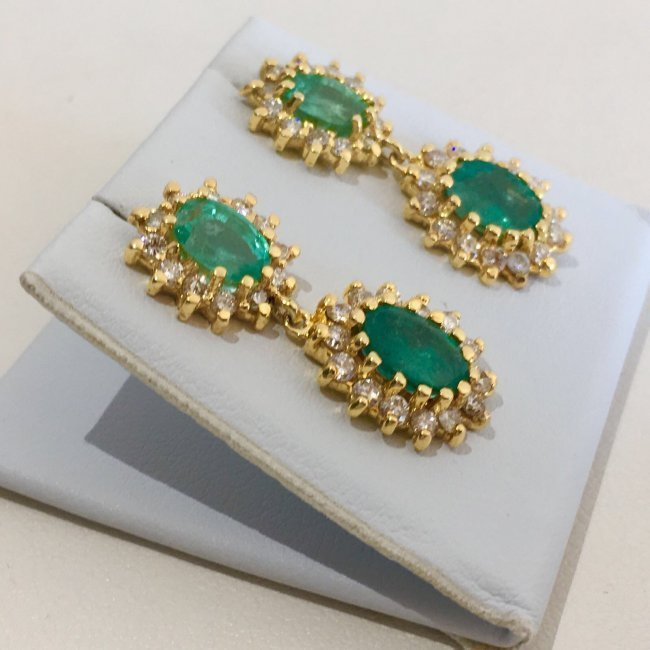 14K Gold 8 ct Emerald & VS Diamond Earring. $12,500 GIA - 2