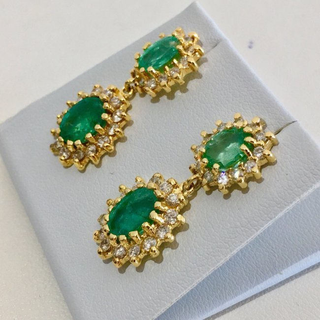 14K Gold 8 ct Emerald & VS Diamond Earring. $12,500 GIA - 3