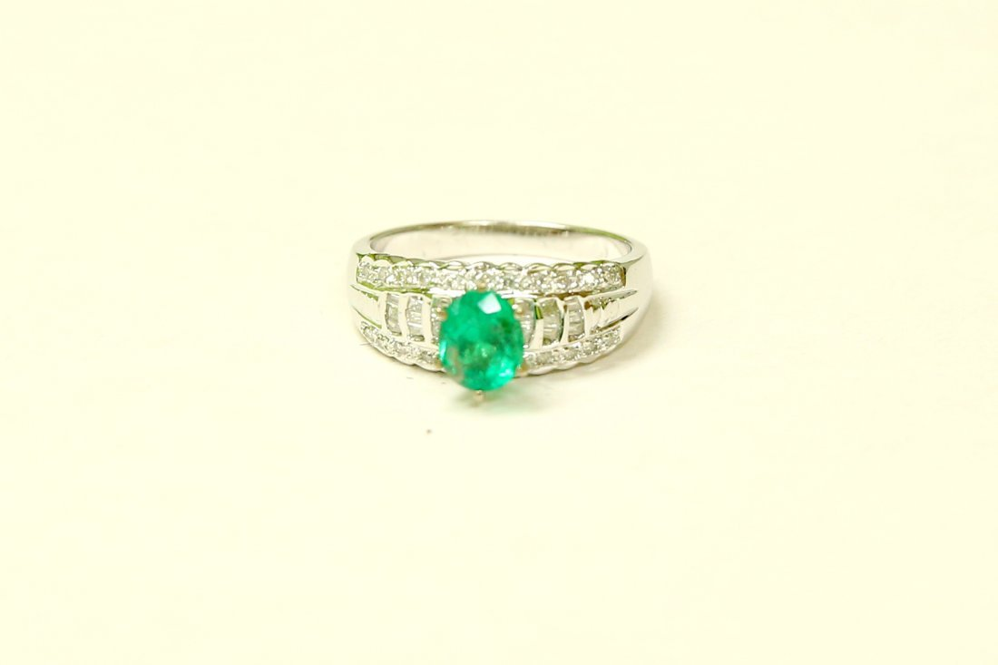 18K GOLD Colombian Emerald & VS Diamond Engagement Ring