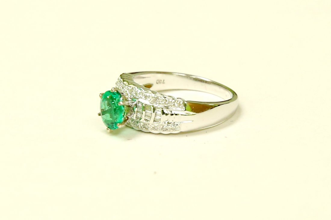 18K GOLD Colombian Emerald & VS Diamond Engagement Ring - 3