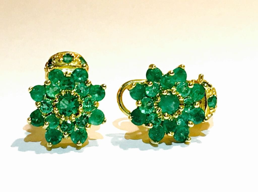 18K Gold and 11.00 CT Emerald Vintage Earrings $11,000