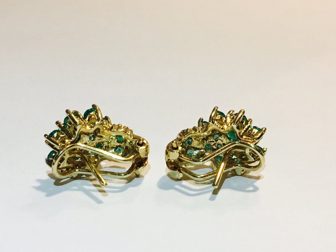 18K Gold and 11.00 CT Emerald Vintage Earrings $11,000 - 4
