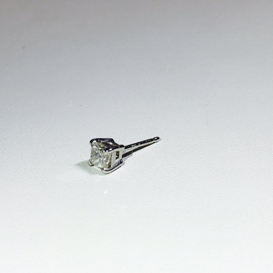 14K White Gold 0.30 CT Diamond Stud/Earring. - 3