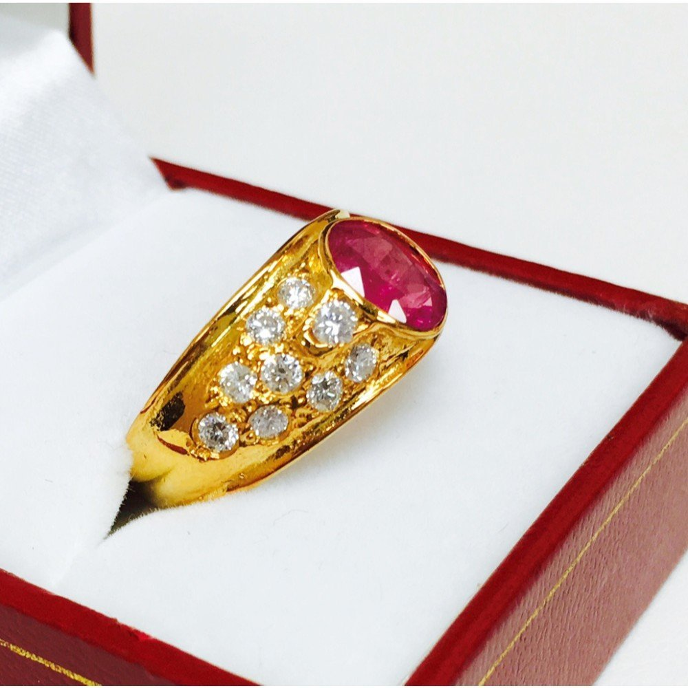 "18k Yellow Gold, ""No Heat Ruby"" and Diamond Ring - 2"
