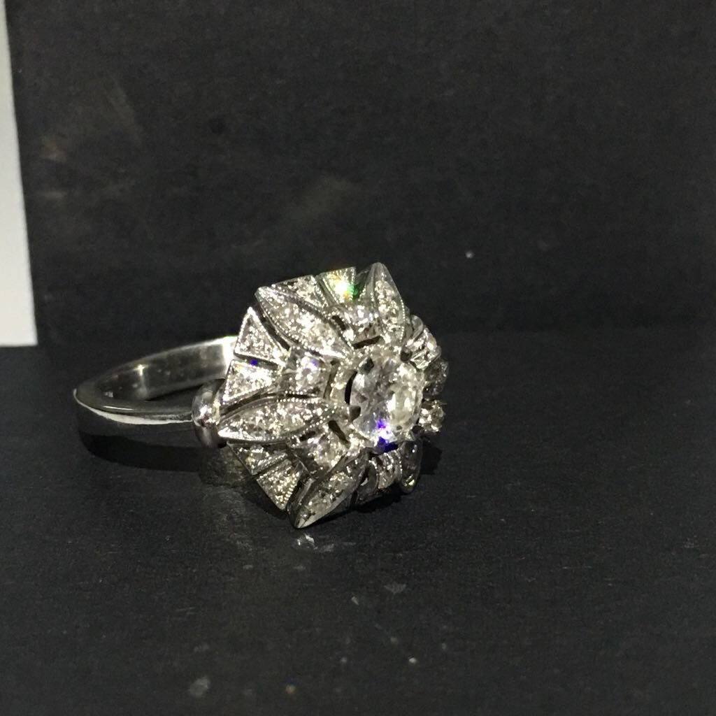 18K White Gold, 2.05 Carat VS-G Vintage Diamond Ring - 3