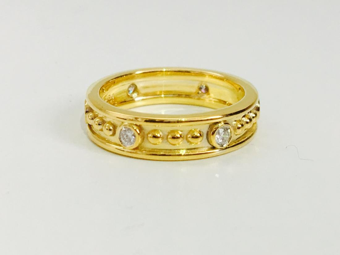 18K gold, 0.48 CT diamond band. VS clarity and G color. - 2